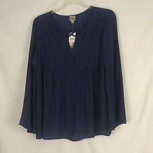 Como Vintage NWT long sleeve blouse. Size Large